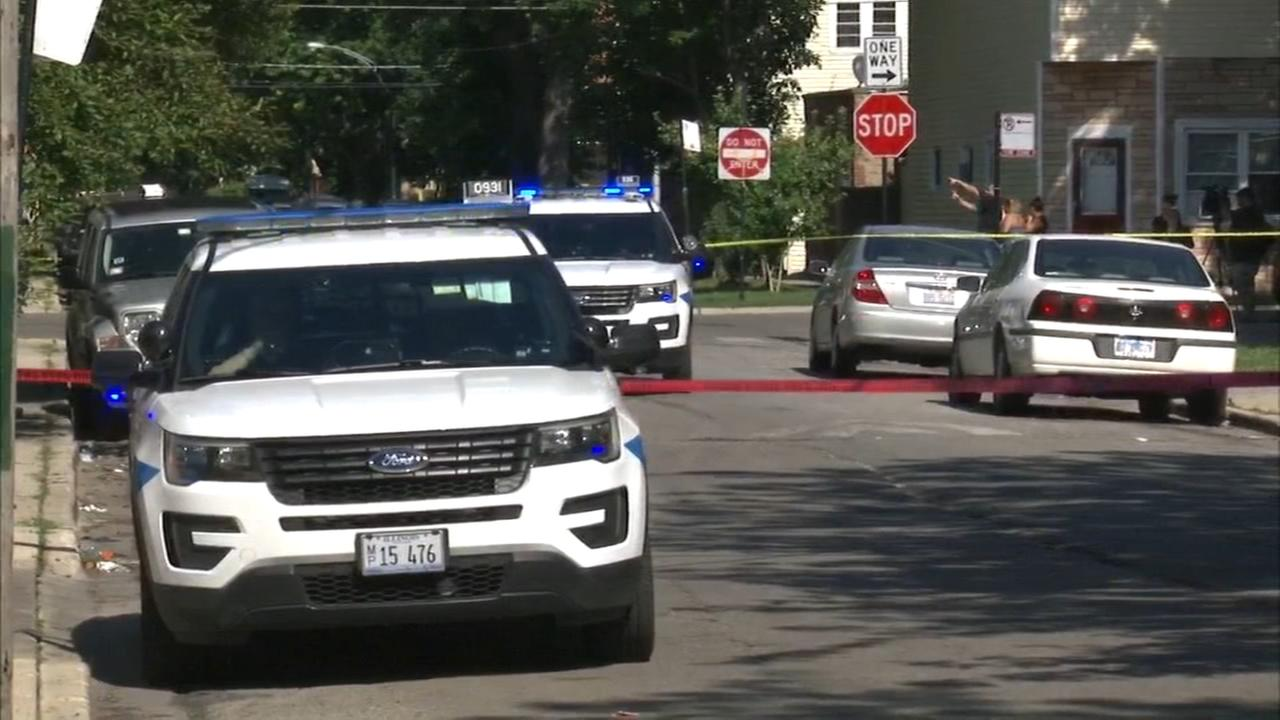 Police: 2 shot, including 3-year-old, in Back of the Yards