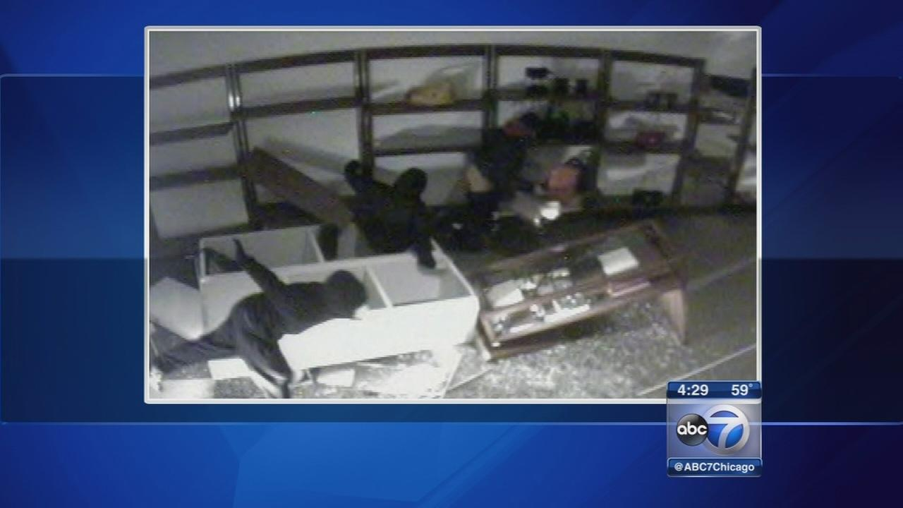 Burglars use vehicle in Aurora smash-and-grab