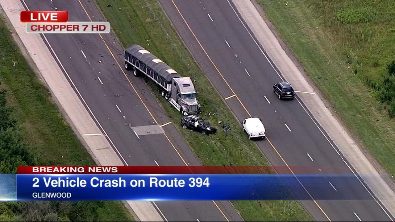 SB lanes of I-394 near Glenwood closed due to crash