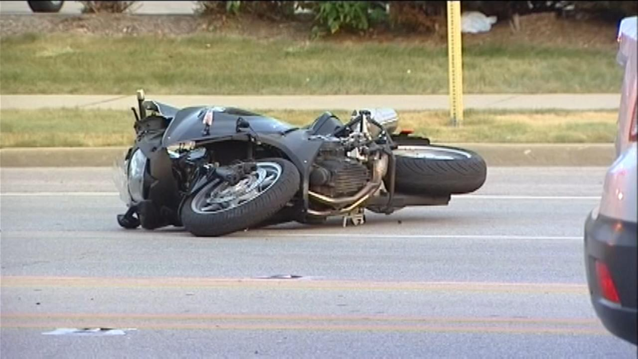 Child, adult injured after being struck by motorcycle in Lincolnwood