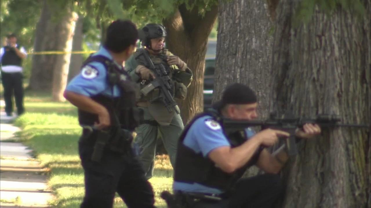 8 questioned after Oak Park standoff
