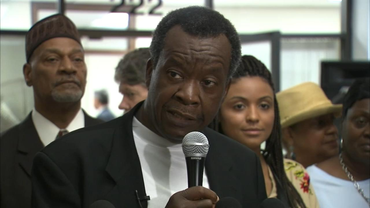 Complaint filed against Willie Wilson after cash giveaway