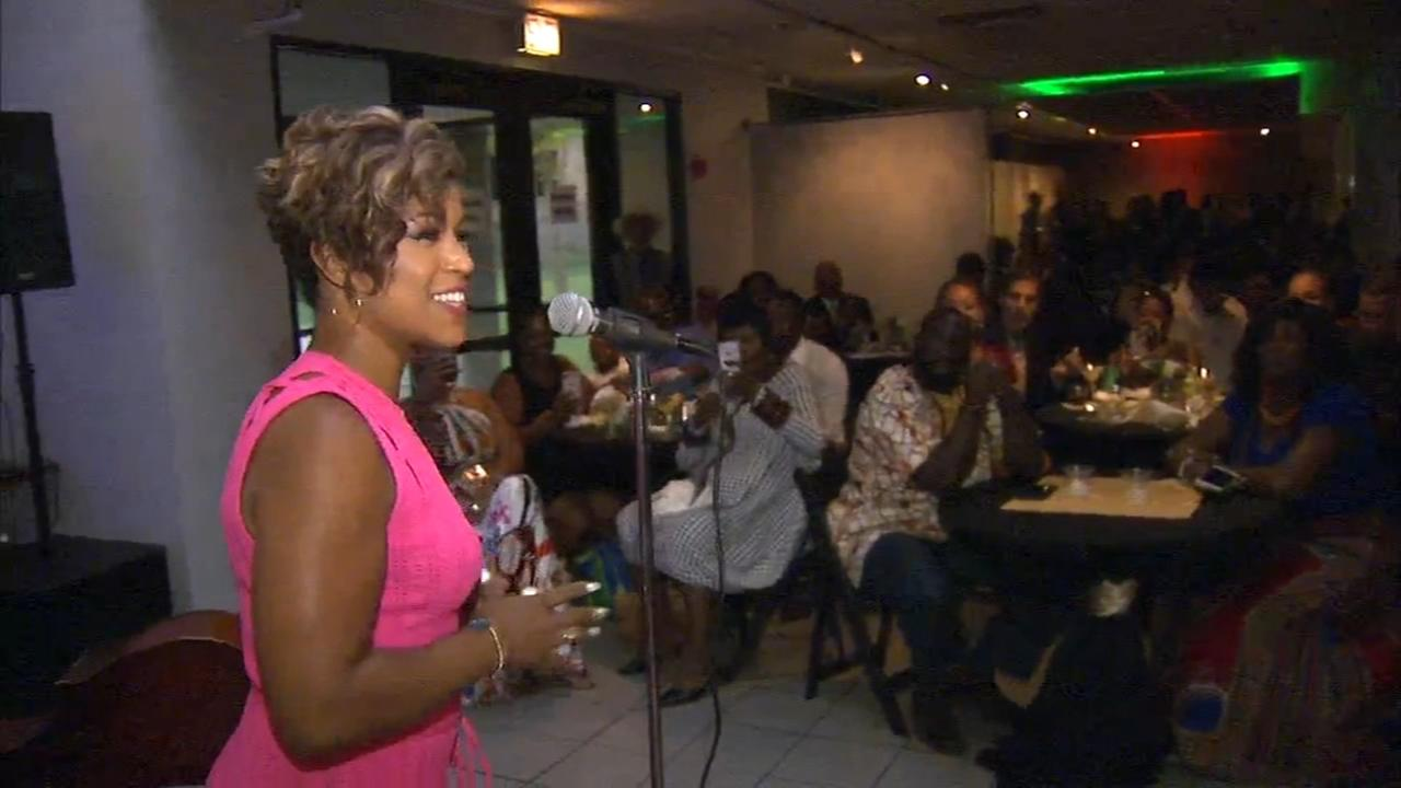 Chicago defender Charities holds annual scholarship gala