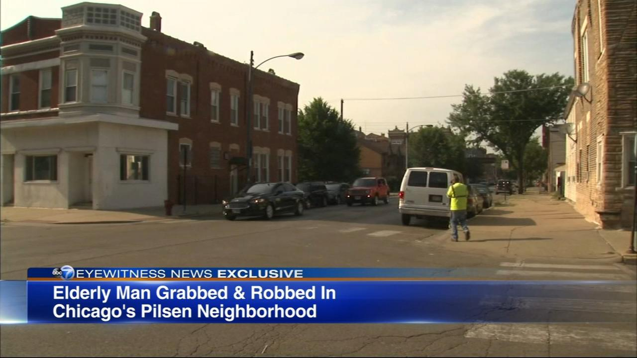 Elderly man robbed in Pilsen as woman hugged him