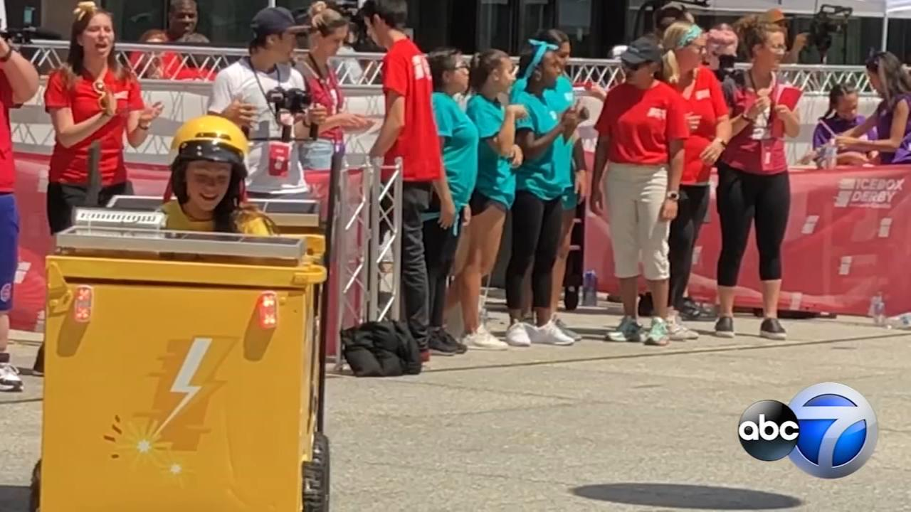 Girls compete in Icebox Derby