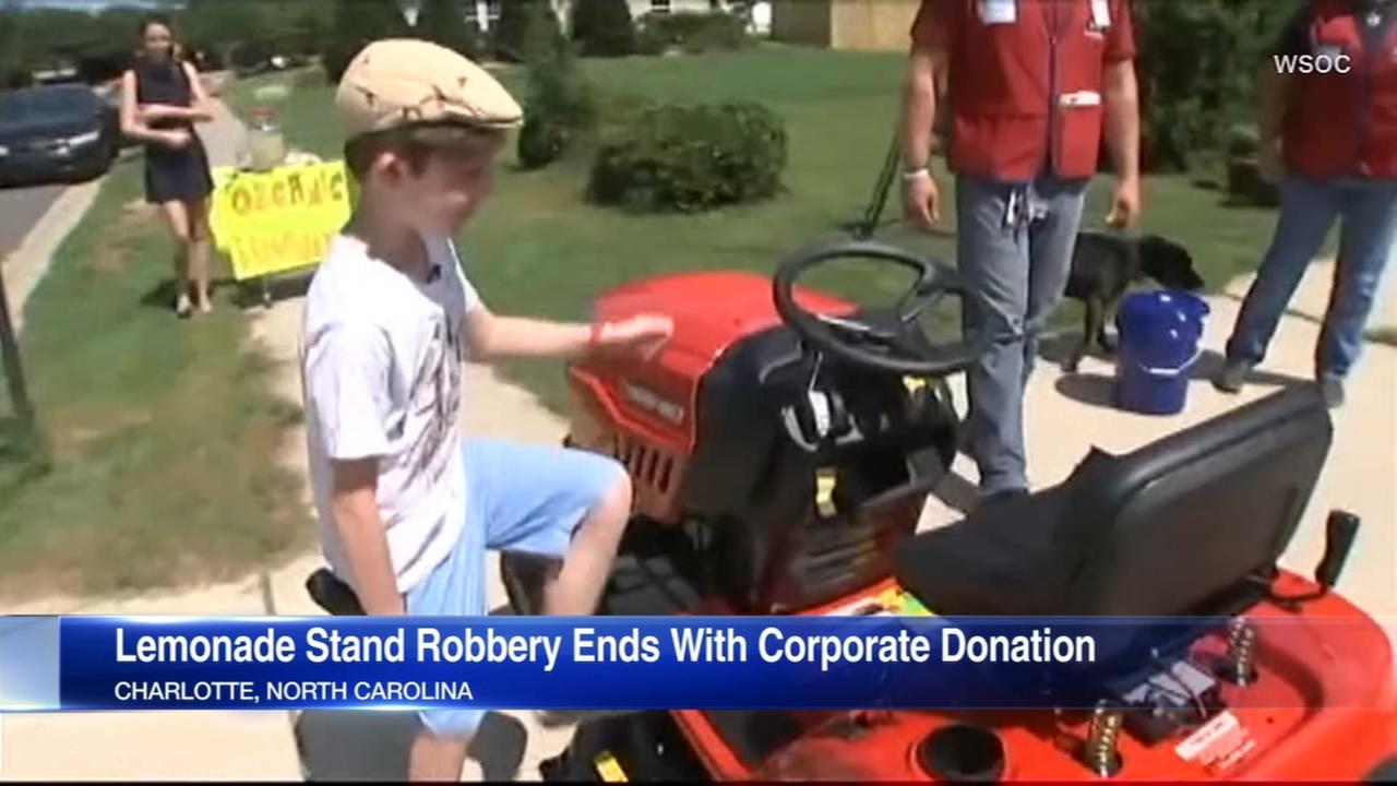 Lemonade vendor robbed at gunpoint gets donations, gift