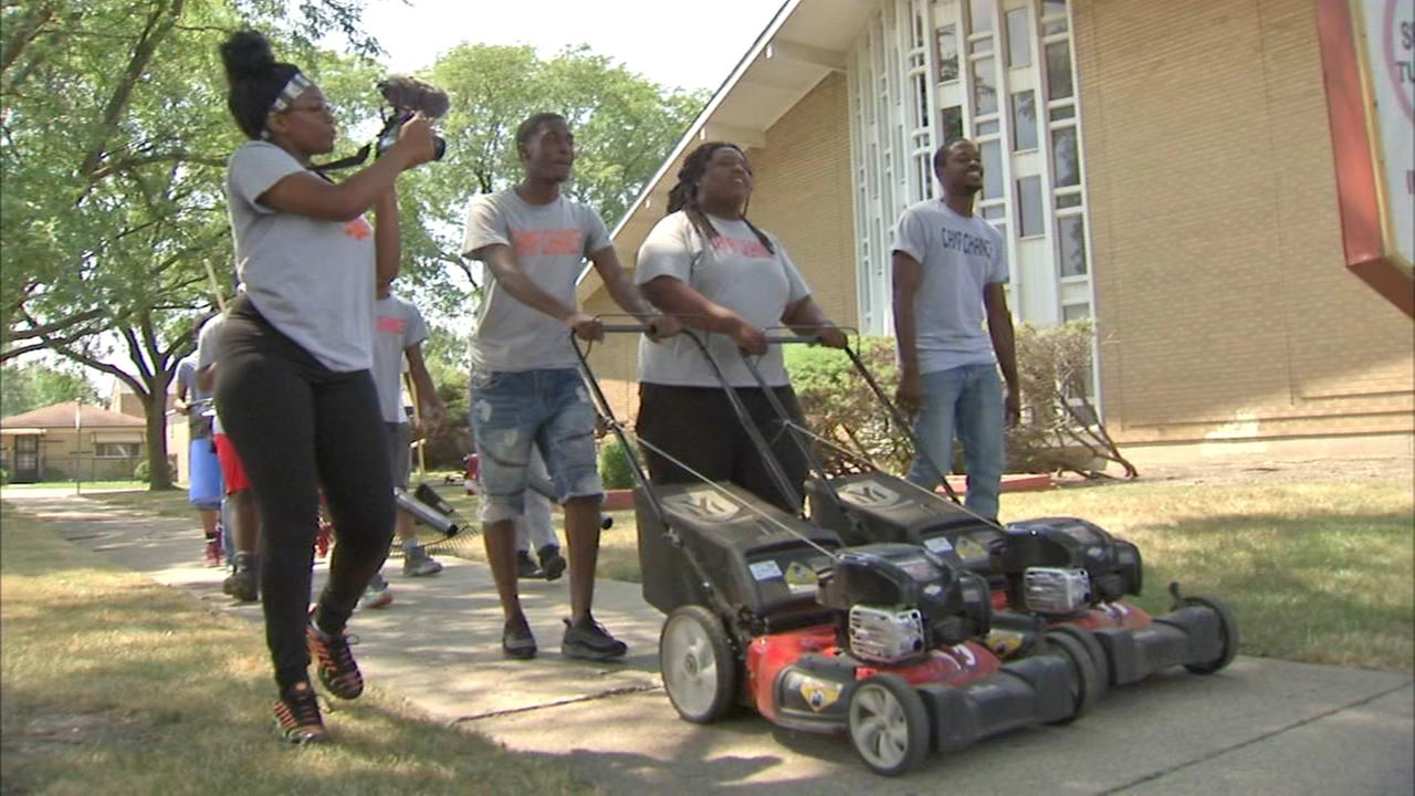 Volunteers mow lawns, pick up trash for South Side seniors