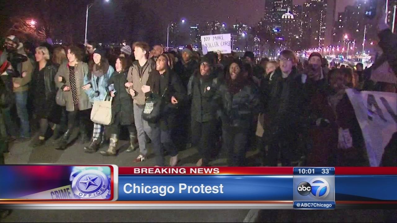 Protestors shut down Lake Shore Drive