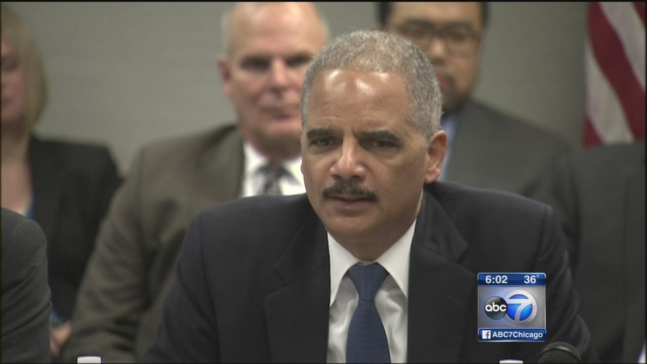 Eric Holder in Chicago to address community trust issues