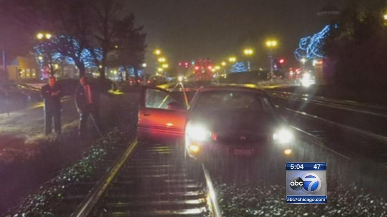 Man saves elderly driver in Western Springs