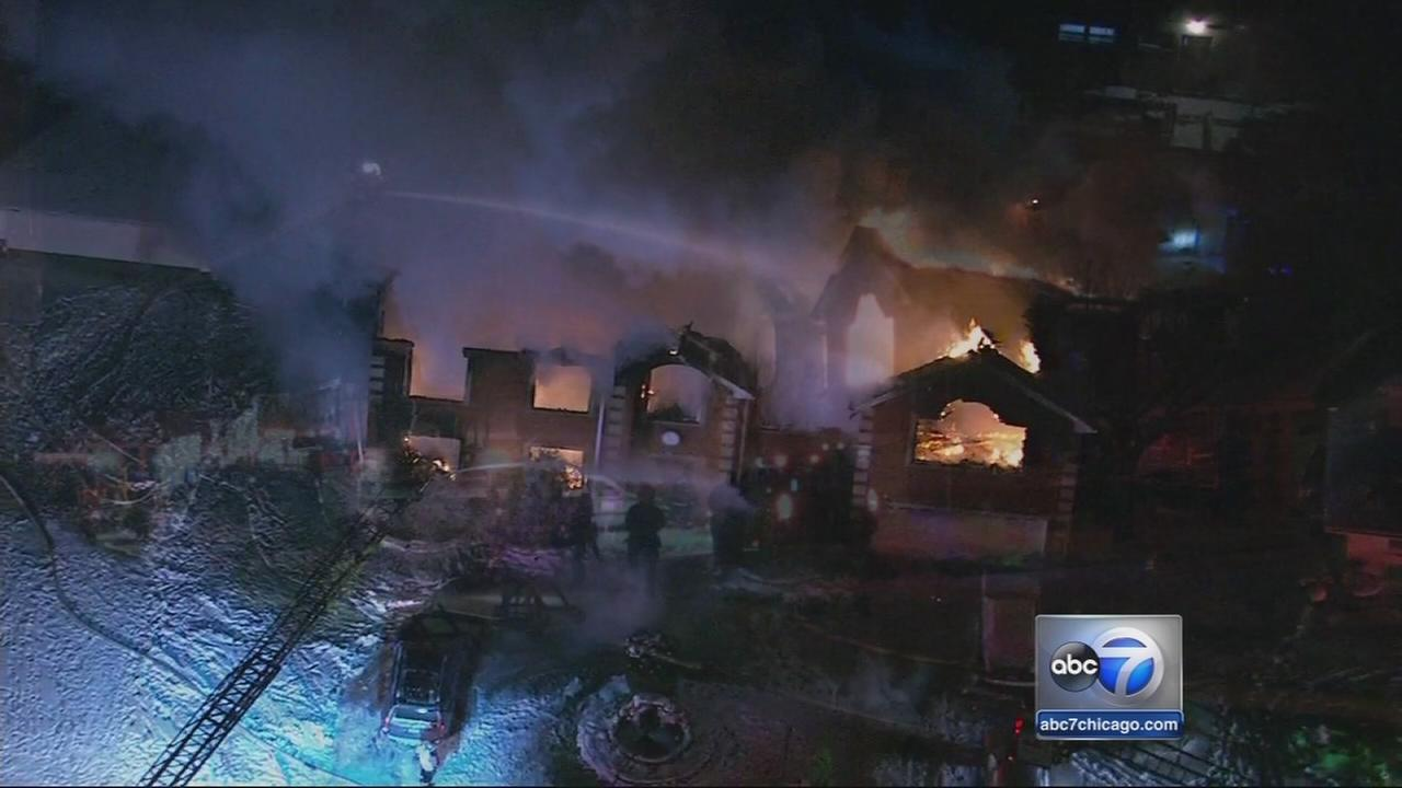 8 rescued from Norridge fire