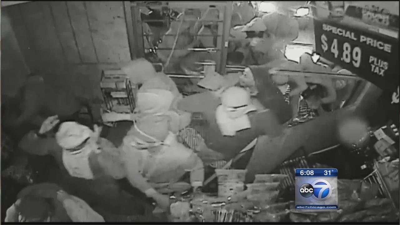 Missouri police release video to ID Ferguson looters