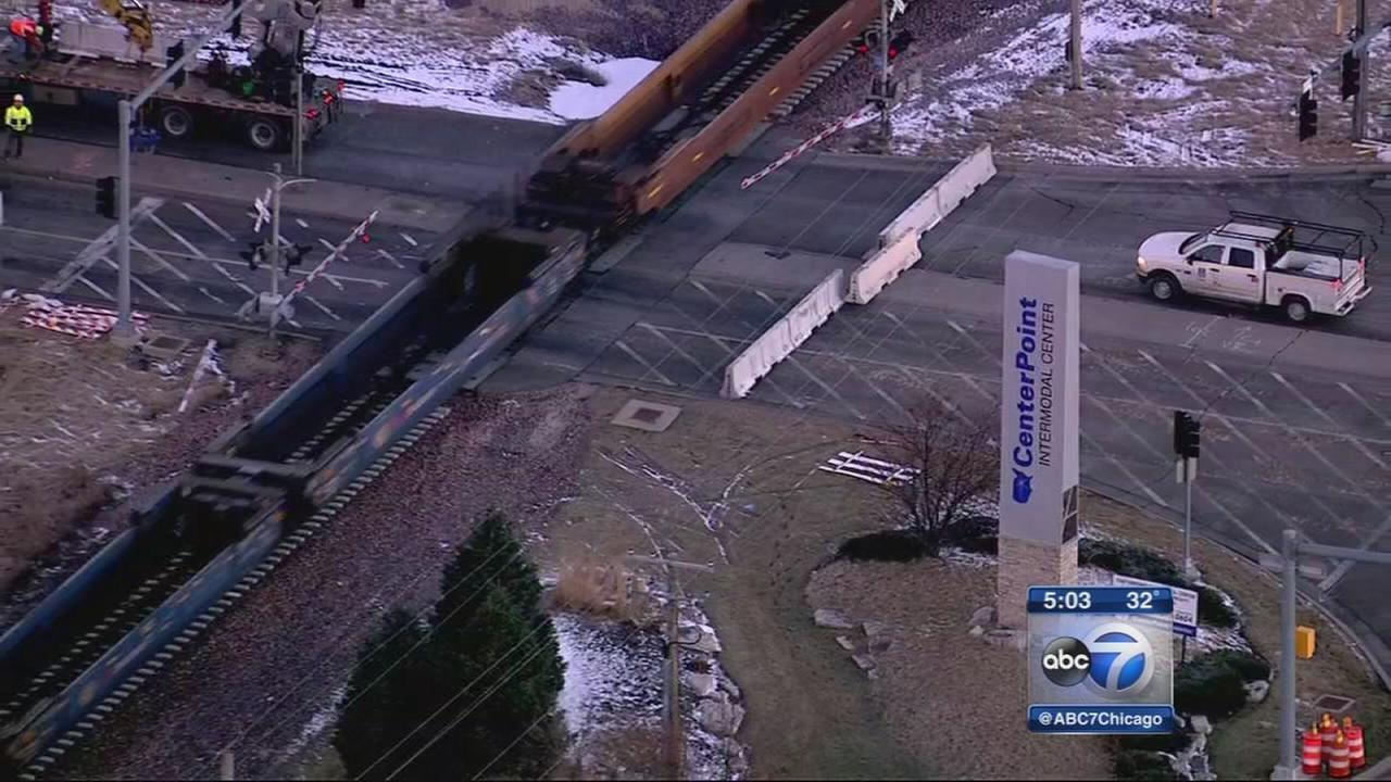 Elwood rail crossing closes amid truck traffic concerns