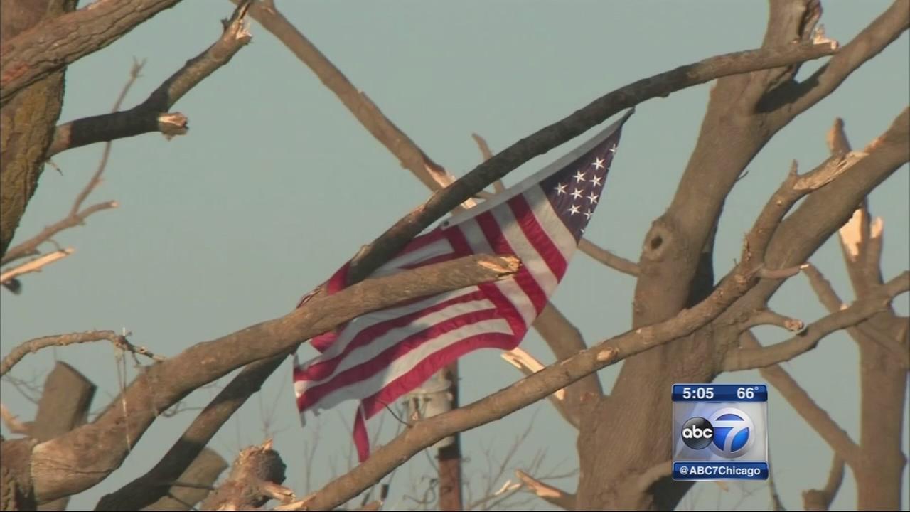 1st volunteers to help tornado victims