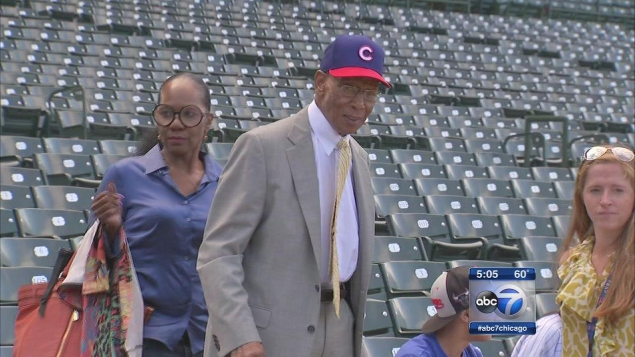 Ernie Banks caretaker reveals items left by Cubs great