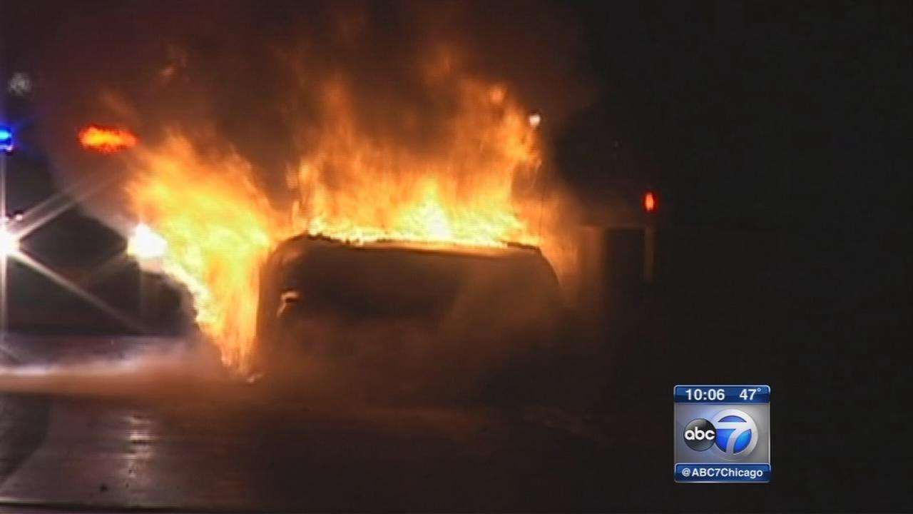 Driver rescued from burning car on I-355 near Downers Grove