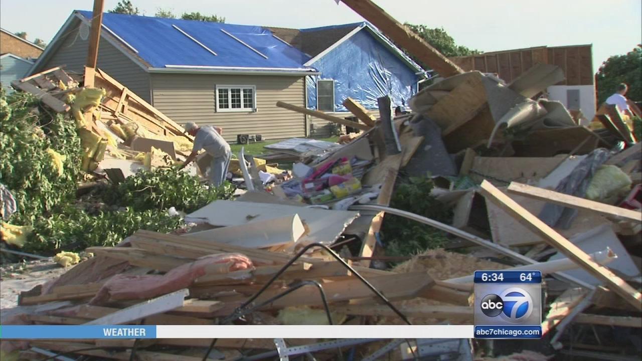 Coal City tornado victims begin recovery efforts