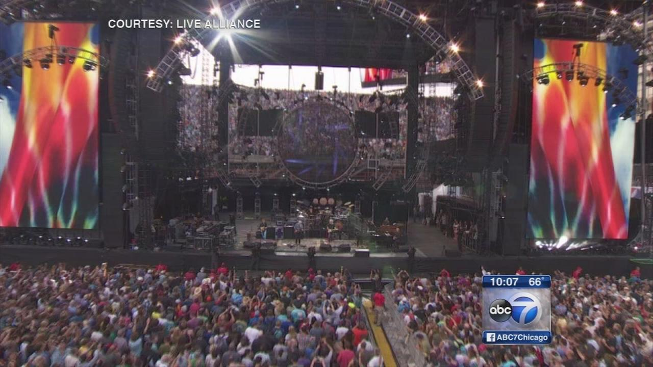 Grateful Dead play first of three final shows