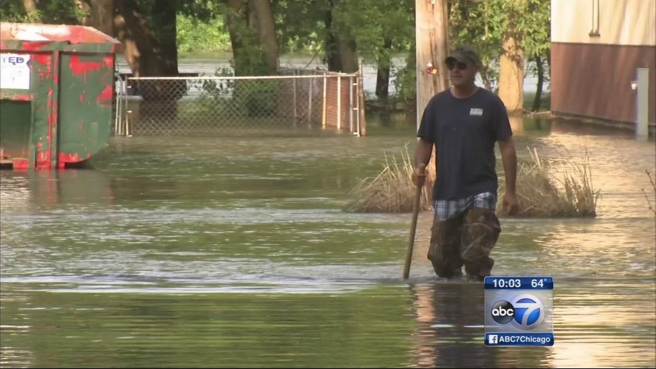 Kankakee River swells and causes flooding
