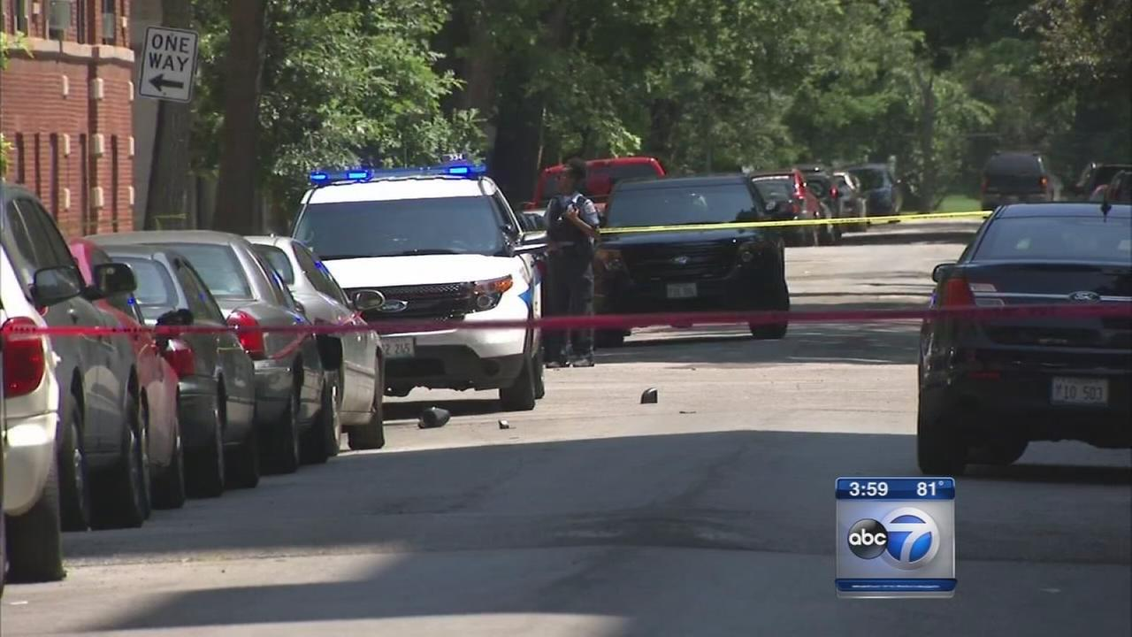 Off-duty officer shot in South Shore