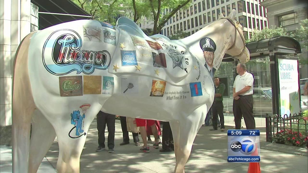 Horse statues auctioned to benefit fallen police officers