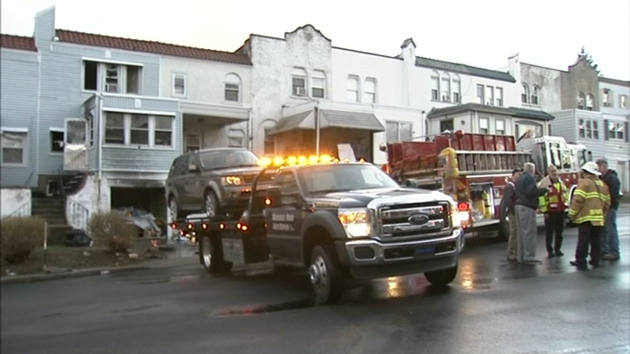 Man dies attempting to rescue wife from house fire in Upper Darby. Walter Perez reports during Action News at 10 p.m. on January 5, 2019.