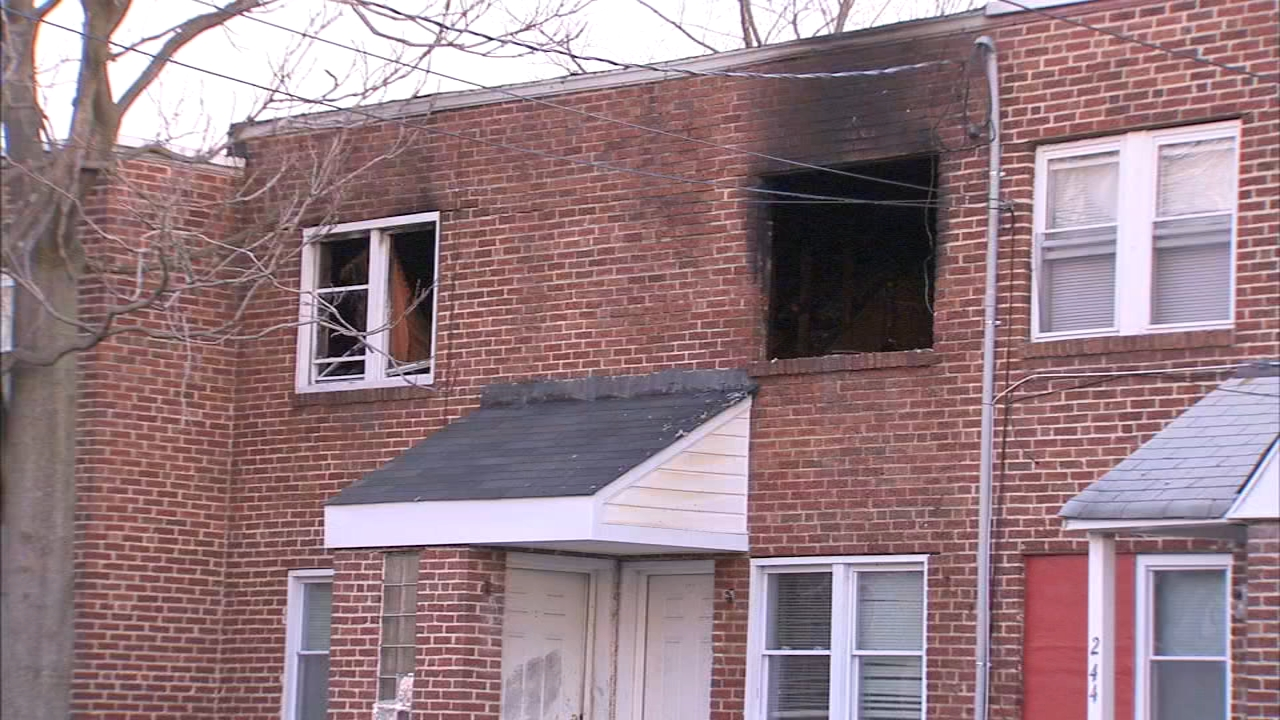Firefighter, 3 others injured in Camden, New Jersey blaze. Jeanntte Reyes reports during Action News at Noon on January 7, 2018.