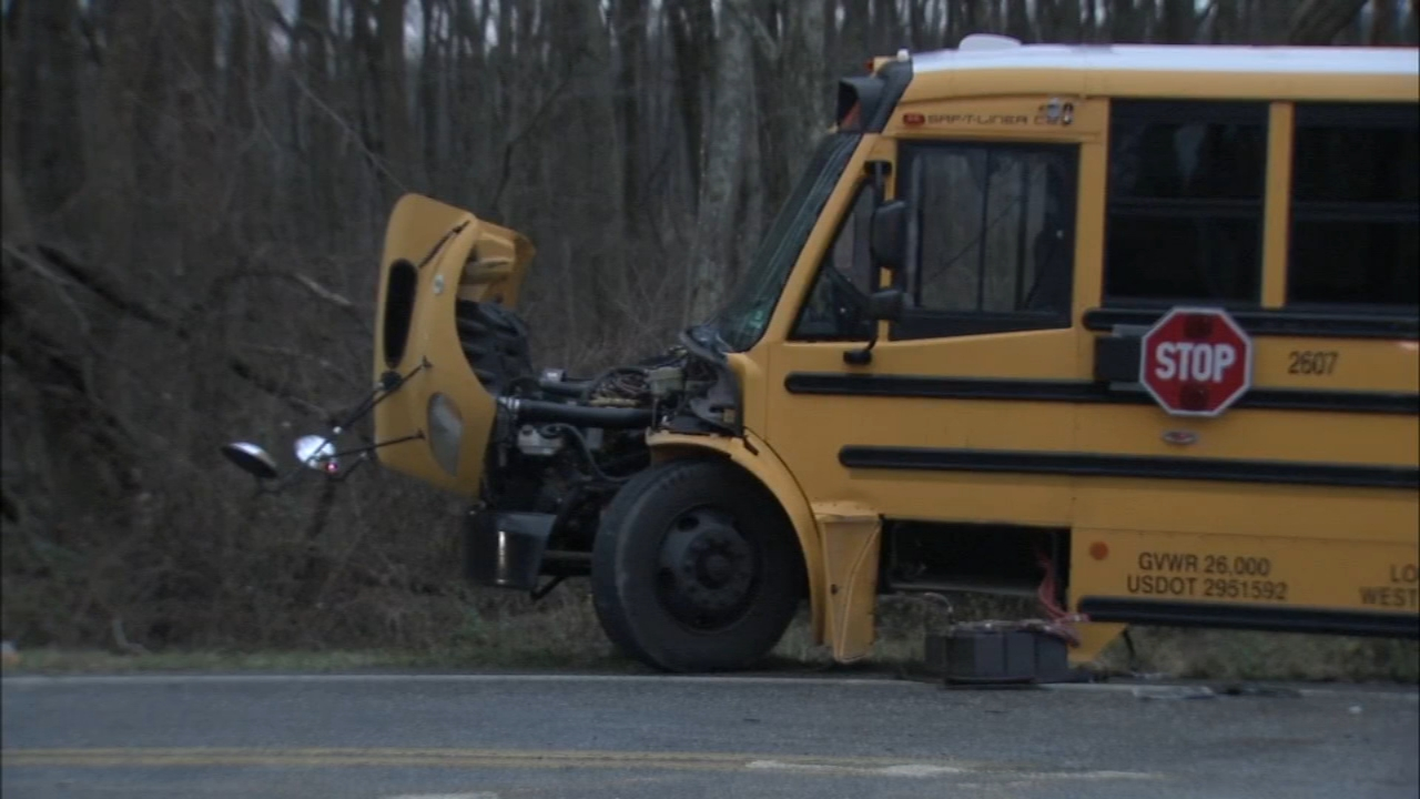 A tractor trailer and a school bus crashed in Gloucester County as reported by Dann Cuellar during Action News at 11 on January 7, 2019.