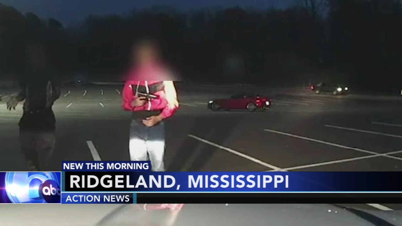 Pair of teens points BB gun at police. Matt ODonnell reports during Action News Mornings on January 11, 2019.