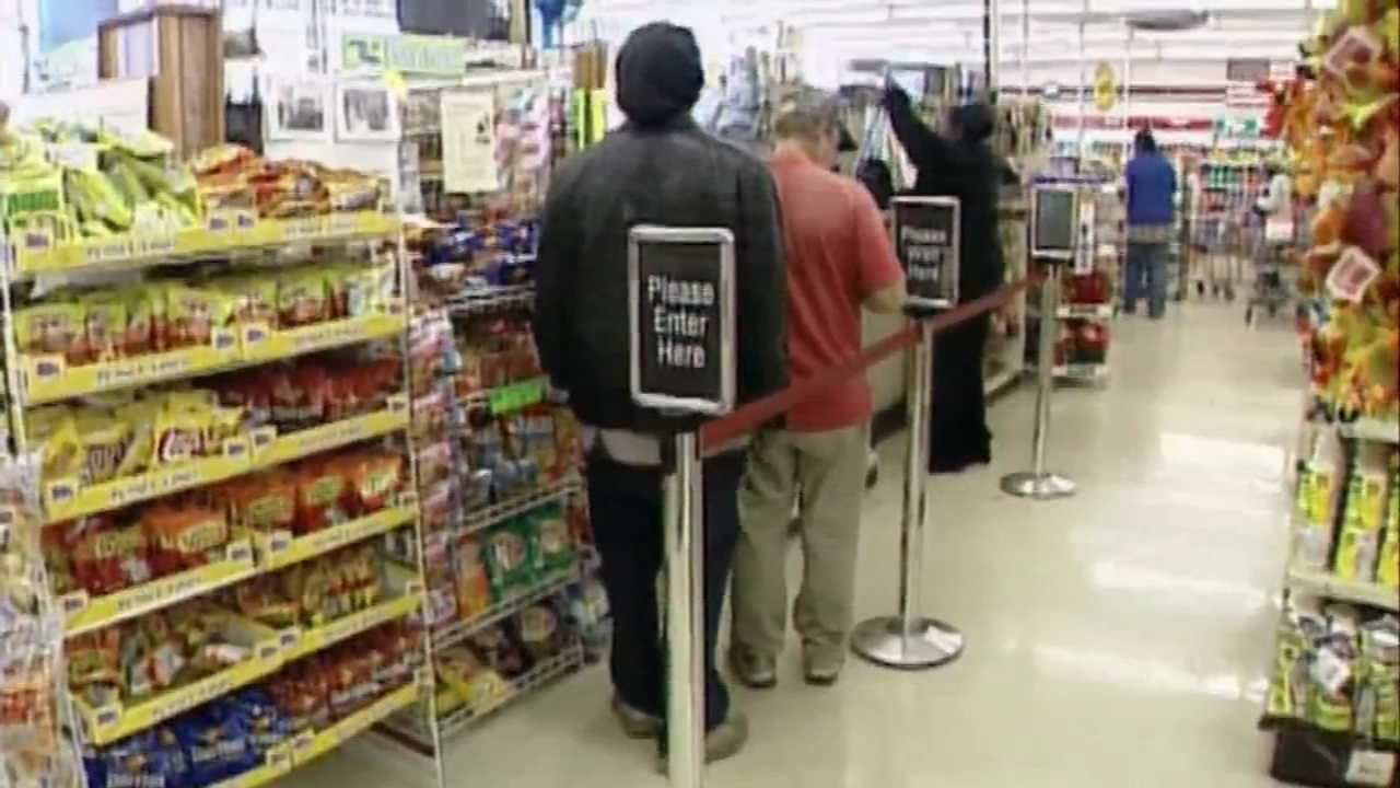 States warn food stamp recipients to budget due to government shutdown. Watch the report from Gray Hall on Action News at 4:30 p.m. on January 17, 2019.