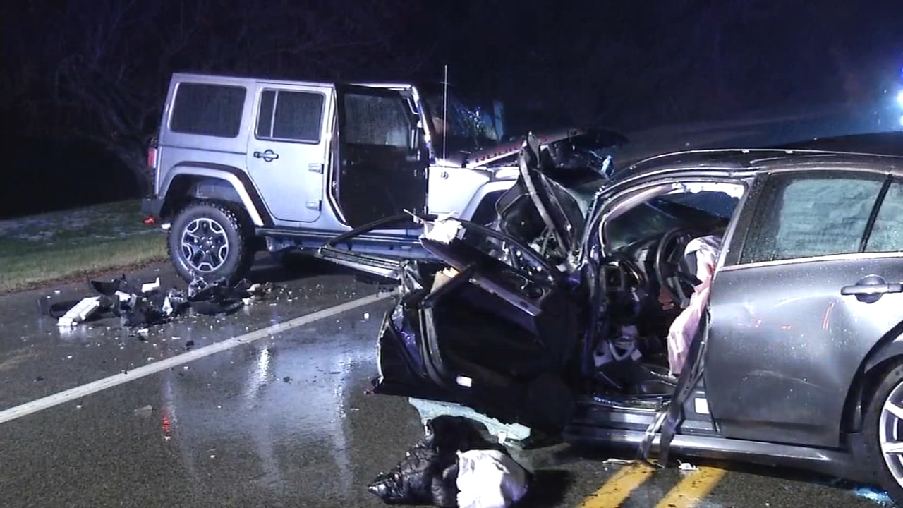 2 injured in head-on crash in Newark. Raw video of the scene where two cars collided on January 19, 2019.