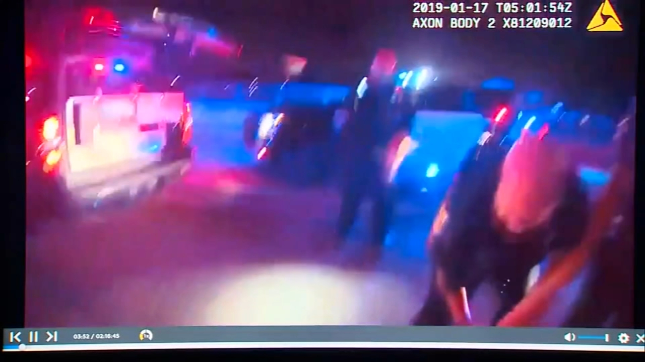 Texas police officers save woman from burning car. Gray Hall reports during Action News at 7 a.m. on January 19, 2019.