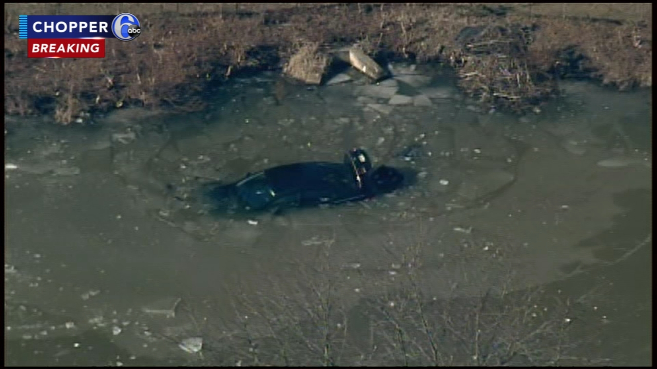 Driver crashes into icy pond in Mt. Laurel. Sarah Bloomquist reports during Action News at Noon on January 22, 2019.