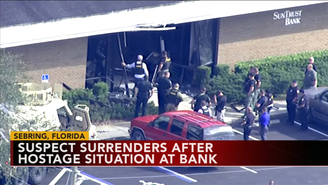 Police: Man arrested after opening fire inside Florida bank. Monica Malpass reports during Action News at 4 p.m. on January 23, 2019.