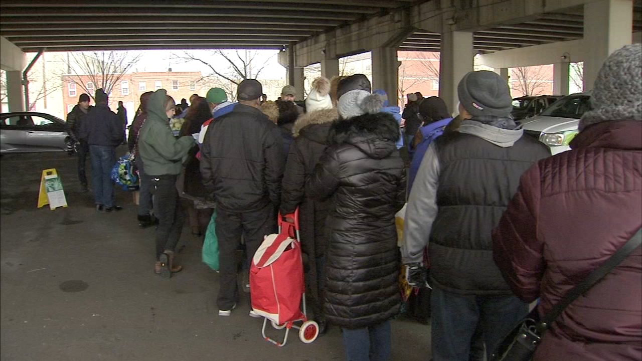 Long line at emergency market for federal workers. Katherine Scott reports during Action News at Noon on January 23, 2019.