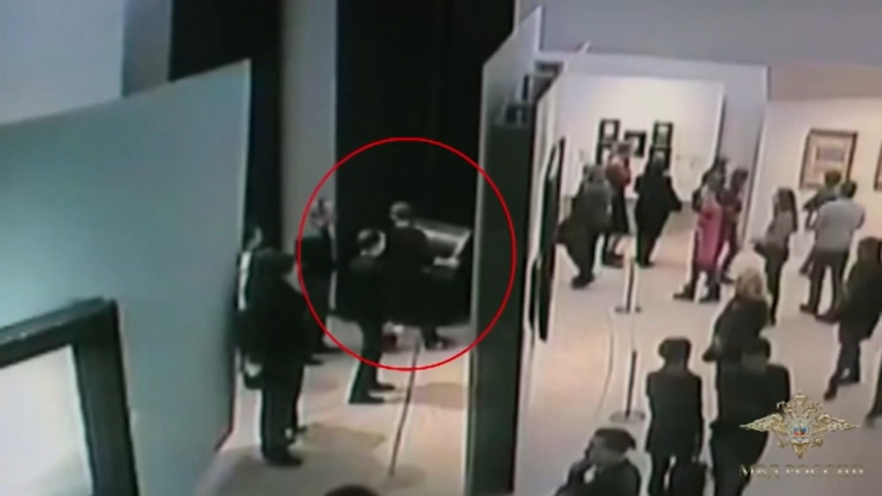 Police in Russia have found a painting that was stolen right from the wall of a museum as stunned visitors looked on.