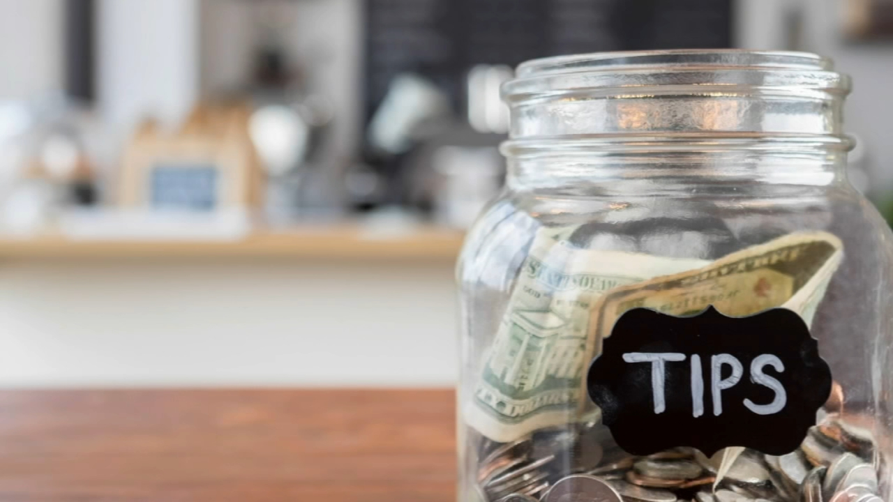 Consumer Reports: Guidelines for tipping - Nydia Han reports during Action News at 4:30pm on February 5, 2019.