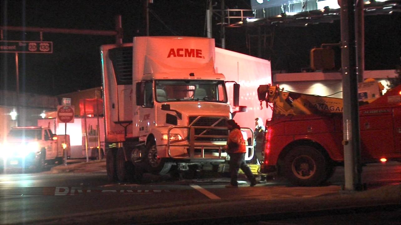 Crash leads to fuel spill in Pennsauken Twp. Matt ODonnell reports during Action News Mornings on February 6, 2019.