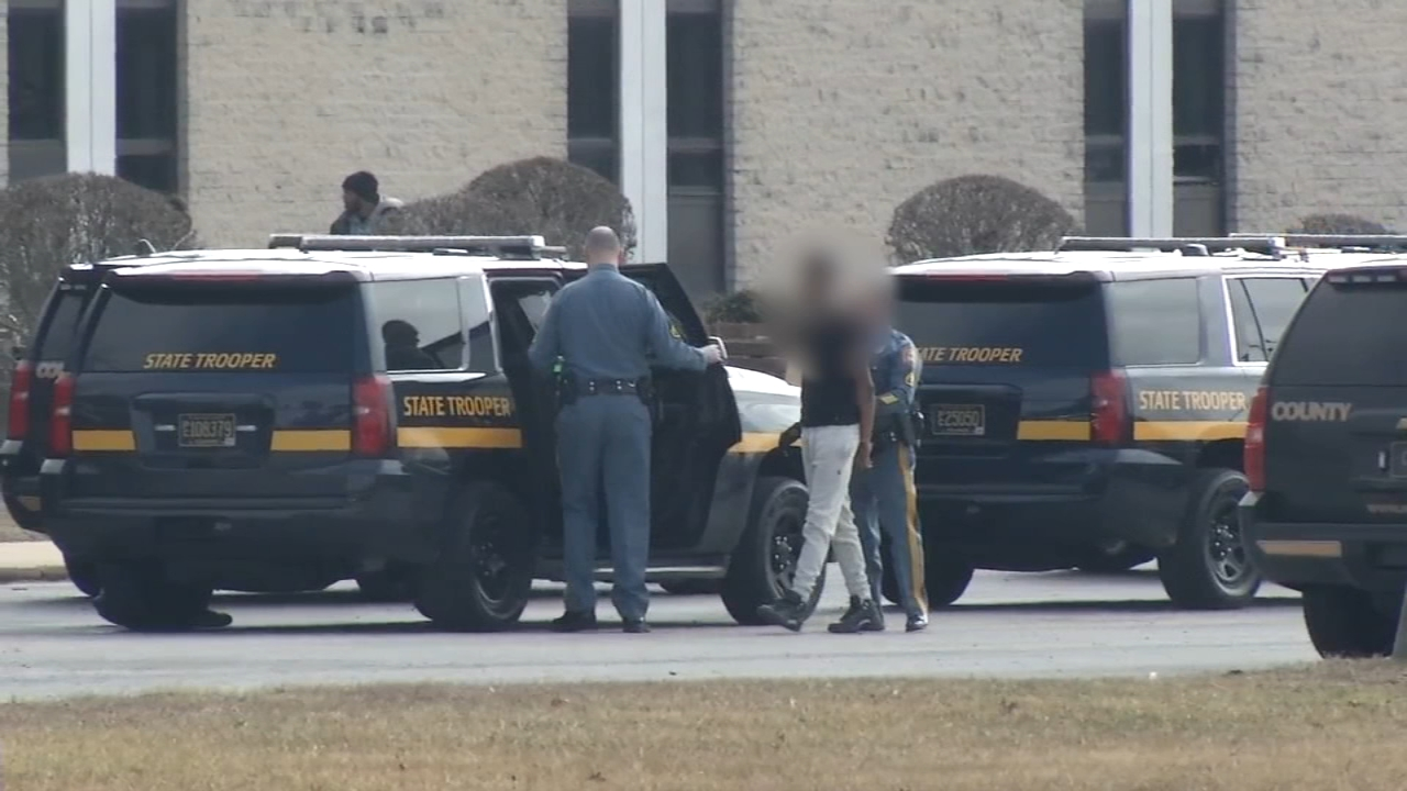 Fight breaks out at Glasgow High School in Delaware. Watch this report from Action News at 5pm on February 7, 2019.