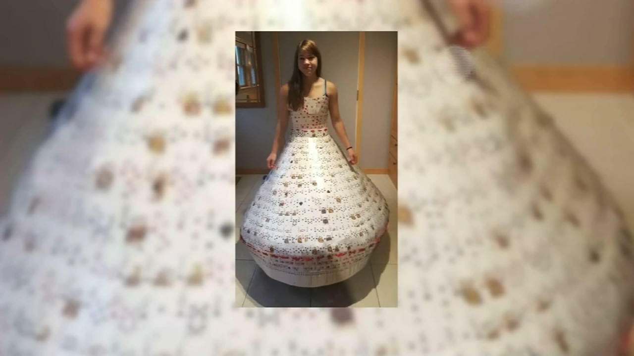 16-year-old makes dress entirely of playing cards. Jeannette Reyes reports during Action News at 10 a.m. on August 12, 2018.