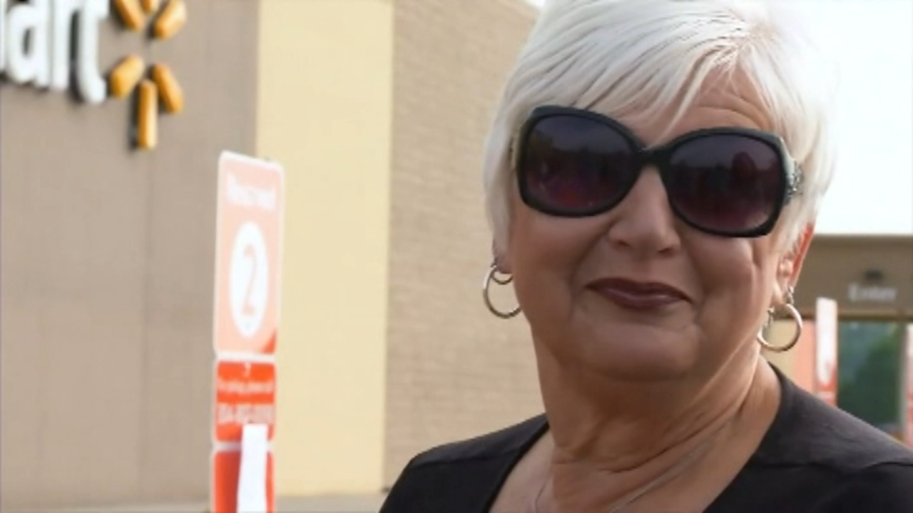 Walmart rewards customer for returning cart during storm. Karen Rogers reports during Action News Mornings on August 14, 2018.