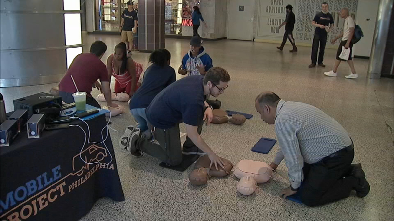 Septa and the University of Pennsylvania teamed up to give commuters free CPR training as reported during Action News at 5 on August 14, 2018.