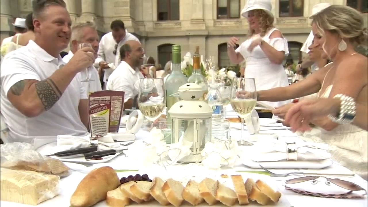 Dîner en Blanc diners descend on Dillworth Park: Trish Hartman reports on Action News at 11 p.m., August 16, 2018
