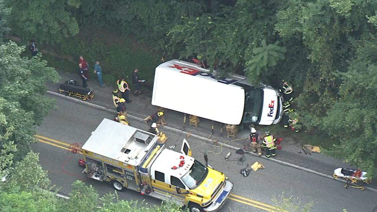 FedEx truck rolls over after crash in Chester Co. Wawtch this report from Action News at 5pm on August 20, 2018.