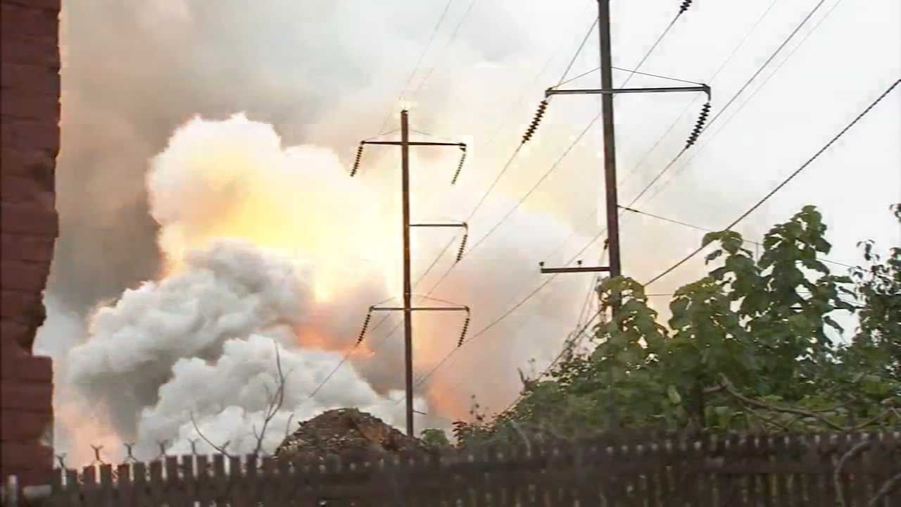 Junkyard fire impacts SEPTA, Amtrak service. Katherine Scott reports during Action News Mornings on August 20, 2018.