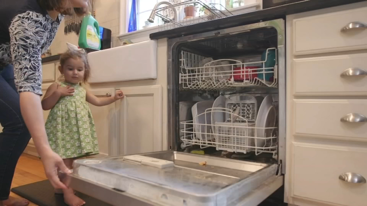 Consumer Reports: How to make your dishwasher last longer - Nydia Han reports during Action News at 4:30pm on August 21, 2018.