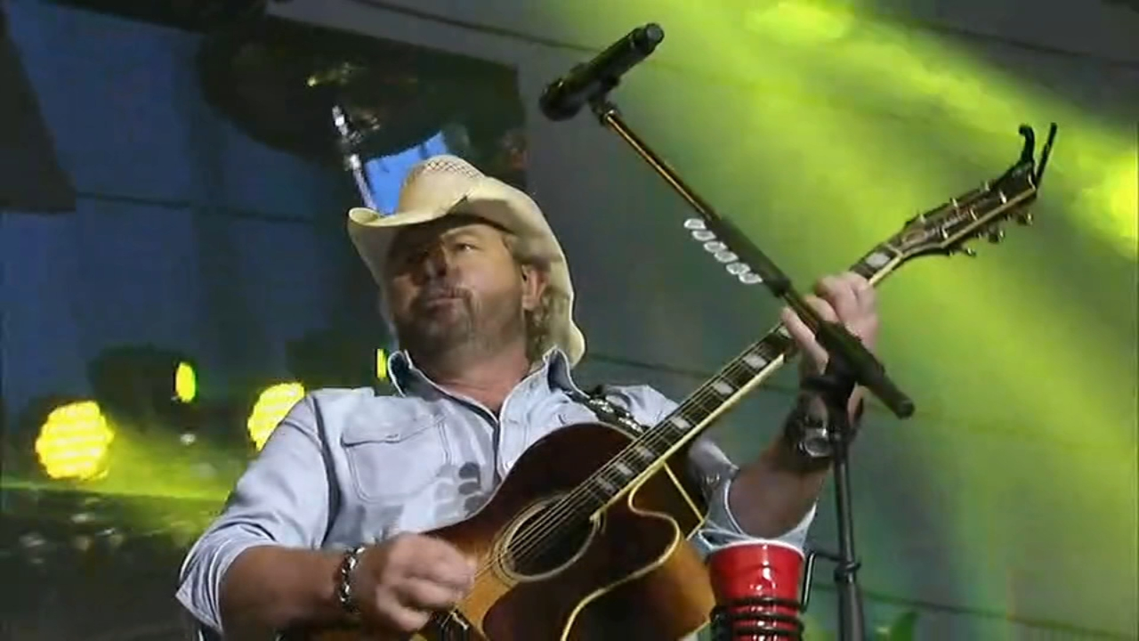 Toby Keith, Brad Paisley and Alabama are headlining a three-day country music festival. Plus, fun for beer lovers and Union fans.