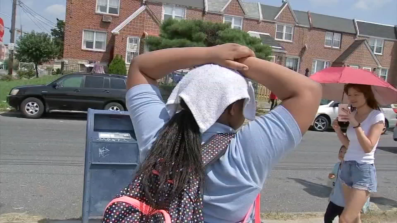 Philadelphia schools dismiss early due to heat. Bob Brooks reports during Action News at 4pm on August 28, 2018.