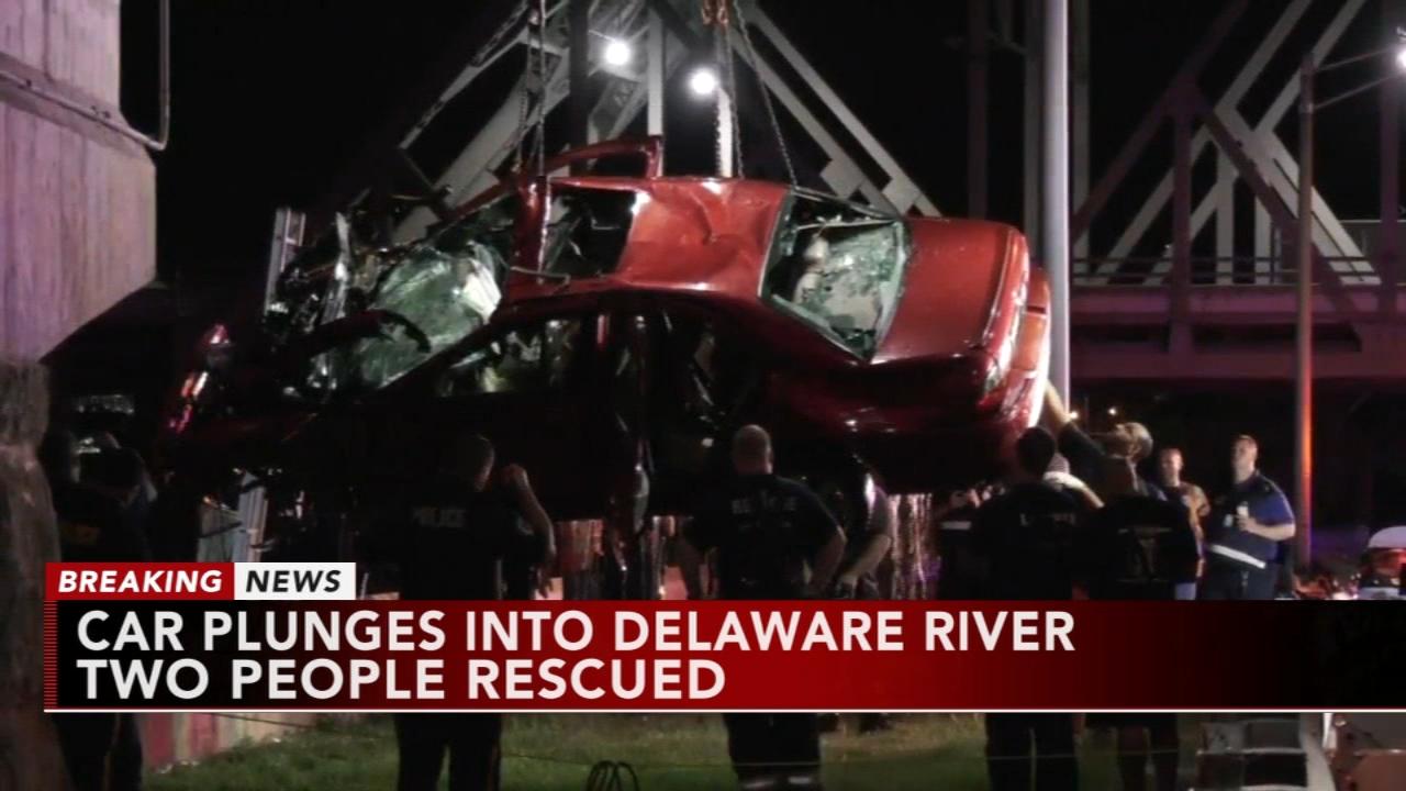 2 rescued from car in Delaware River. Katherine Scott reports during Action News Mornings on September 7, 2018.