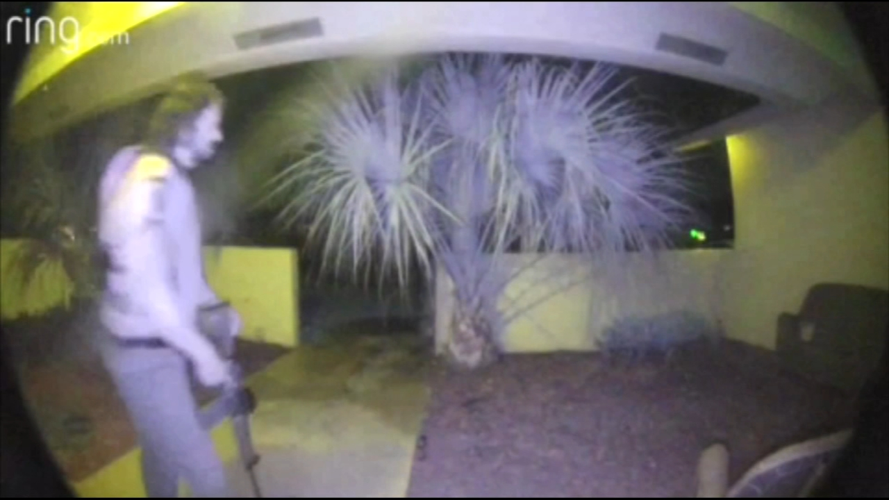 Man armed with assault rifle captured on surveillance video ringing Florida neighbors doorbell. Tamala Edwards reports during Action News at 4 a.m. on September 10, 2018.